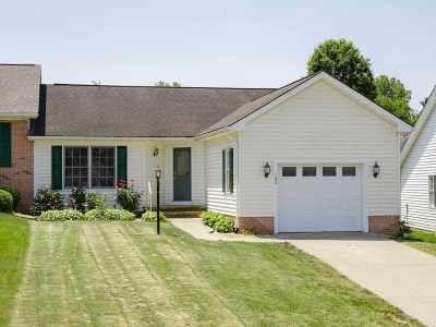 Townhome For Sale: 180 Walnut Dr