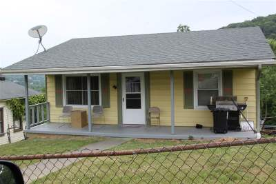 Single Family Home Sold: 713 Mineola St