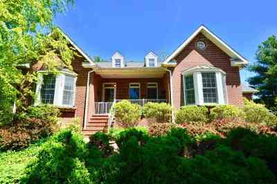 Single Family Home For Sale: 40 Birdsong Ln