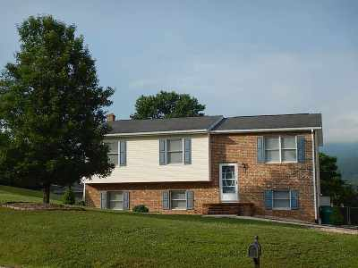 Single Family Home For Sale: 5820 W Donnagail Dr