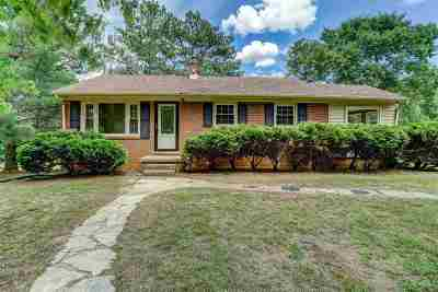 Louisa County Single Family Home For Sale: 276 Knightons Rd
