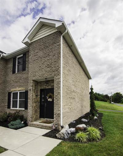 Rockingham County Townhome For Sale: 6 Cedar Point Ln