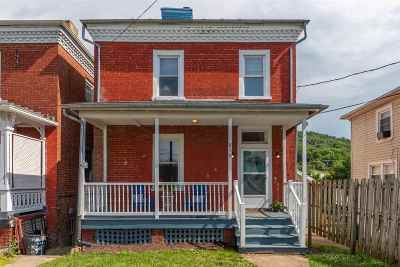 Staunton Single Family Home For Sale: 810 Maple St