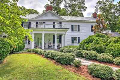 Scottsville Single Family Home For Sale: 243 James River Rd