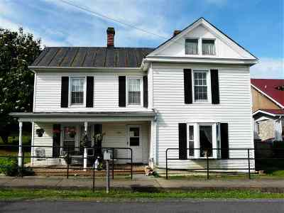 New Market Single Family Home For Sale: 139 W Lee St