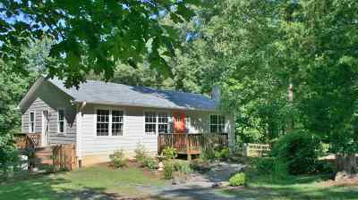 Albemarle County Single Family Home For Sale: 7038 Fortune Ln
