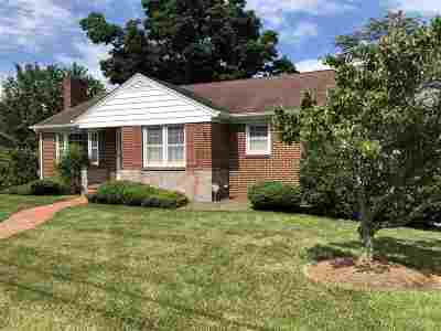 Staunton Single Family Home For Sale: 813 Hillcrest Dr
