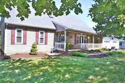 Stuarts Draft Single Family Home For Sale: 325 Cranberry Dr
