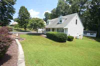 Single Family Home For Sale: 147 Wyndham Dr
