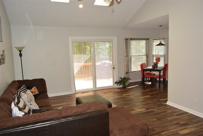 Louisa County Single Family Home For Sale: 4900 Campbell Rd