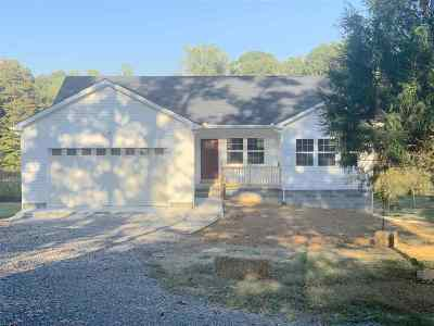Louisa County Single Family Home For Sale: 3174 Yanceyville Rd