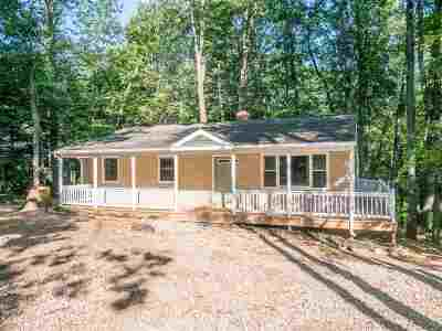 Rockingham County Single Family Home For Sale: 233 Jessamine Pl