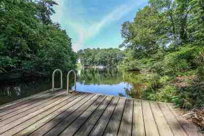 Fluvanna County Single Family Home For Sale: 50 Smokewood Dr