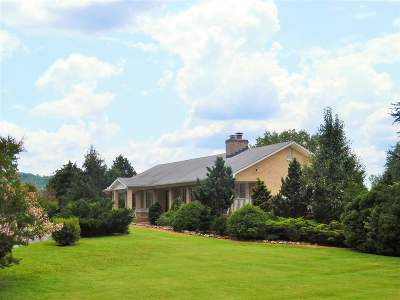 Single Family Home For Sale: 332 Maple Run Rd