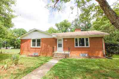 Single Family Home For Sale: 202 Allen St