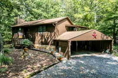 Rockingham County Single Family Home For Sale: 137 Boone Ct