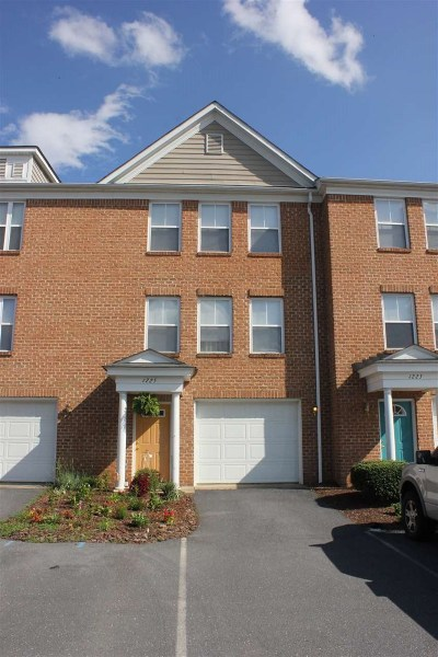 Harrisonburg Townhome For Sale: 1225 Old Richmond Cir