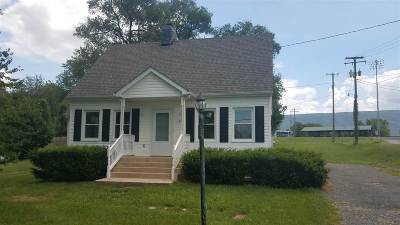 Shenandoah County Single Family Home For Sale: 9162 John Sevier Rd