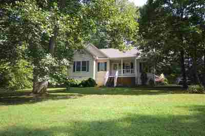 Single Family Home For Sale: 122 Carnation Rd