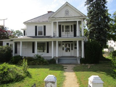 Waynesboro Single Family Home For Sale: 477 Locust Ave