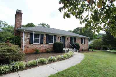Albemarle County Single Family Home For Sale: 2422 Huntington Dr