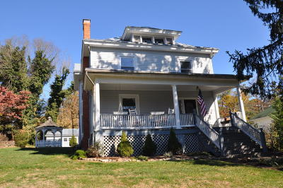Single Family Home Sold: 11 Jordan St