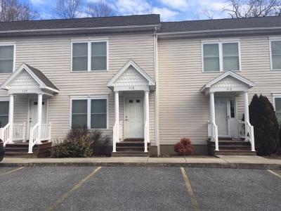 Lexington Single Family Home For Sale: 115 Trimmer Trl