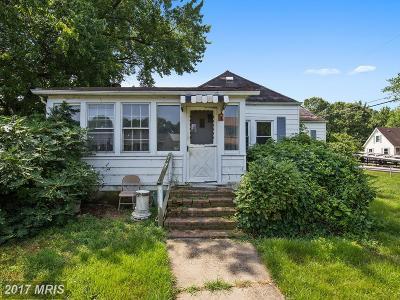 Single Family Home For Sale: 5205 Lake Avenue
