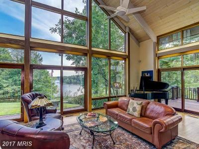 Edgewater Single Family Home For Sale: 85 Wallace Manor Road
