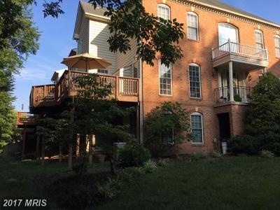 Edgewater Townhouse For Sale: 126 Riverton Place