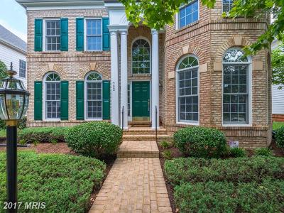 Annapolis Single Family Home For Sale: 702 Pilot House Drive