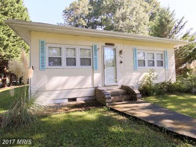 Edgewater Single Family Home For Sale: 130 Linden Avenue