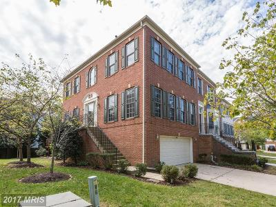 Edgewater Townhouse For Sale: 169 Riverton Place