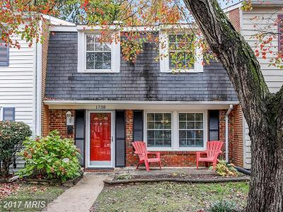 Crofton Townhouse For Sale: 1738 Waldorf Court