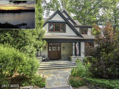 Edgewater Single Family Home For Sale: 2924 Edgewater Drive