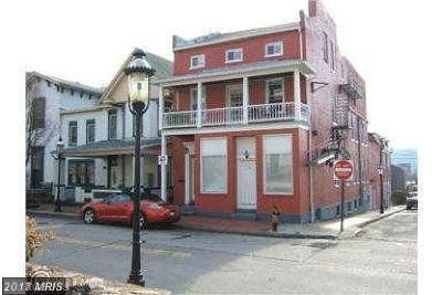 Cumberland Multi Family Home For Sale: 216 Decatur Street