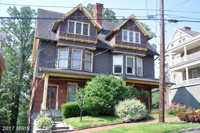 Cumberland Single Family Home For Sale: 604 Washington Street