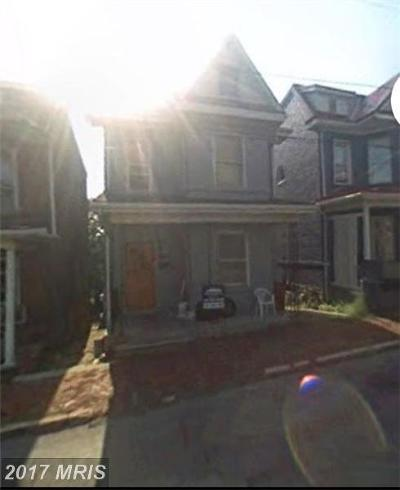 Cumberland Single Family Home For Sale: 225 N Lee Street