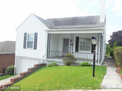 Cumberland Single Family Home For Sale: 816 Maplewood Lane