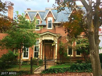 Cumberland Single Family Home For Sale: 408 Washington Street