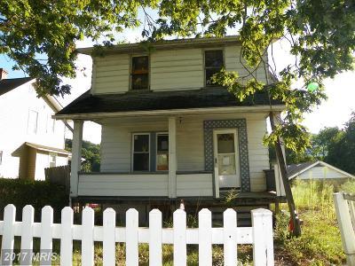 Cumberland Single Family Home For Sale: 12000 Iris Avenue