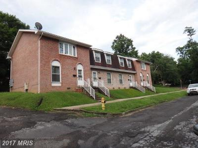 Cumberland Multi Family Home For Sale: 318 Mt View Drive