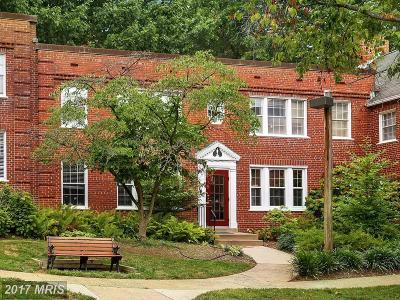 Arlington Condo For Sale: 1922 Rhodes Street N #77