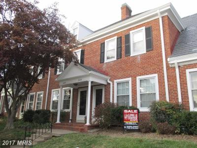 Arlington VA Townhouse For Sale: $430,000