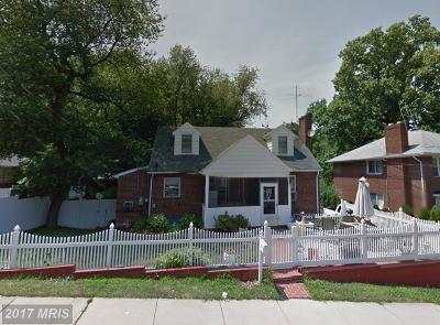 Arlington Single Family Home For Sale: 2140 Thomas Street N
