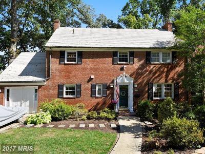 Alexandria VA Single Family Home For Sale: $1,049,000