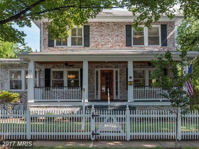 Alexandria Single Family Home For Sale: 23 Masonic View Avenue