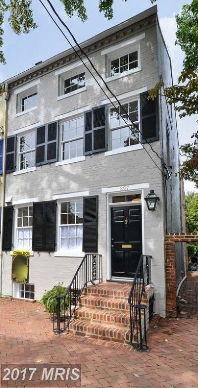 Old Town Townhouse For Sale: 207 Gibbon Street