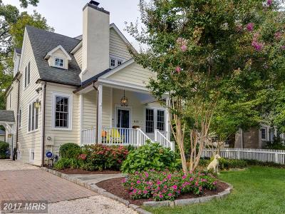 Alexandria Single Family Home For Sale: 411 Fontaine Street