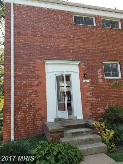 Parkfairfax Townhouse For Sale: 3221 Gunston Road #108